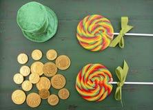St Patricks天彩虹棒棒糖 库存图片