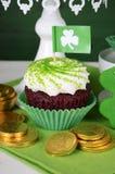 St Patricks天杯形蛋糕-特写镜头 库存照片