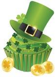 St Patricks日妖精帽子杯形蛋糕 免版税图库摄影