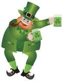 St Patricks日妖精用啤酒 免版税库存照片
