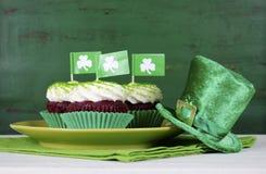 St Patricks Dag Cupcakes Royalty-vrije Stock Foto's