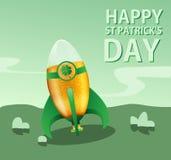 St. Patricks dag, raket met een bier stock foto's