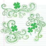 St Patricks Dag Vier de Schetsmatige Krabbels van de Klavers van het Blad Stock Foto's
