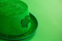 St Patricks Day leprechaun hat with shamrock Stock Photo