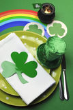 St Patricks Day party table setting - vertical Royalty Free Stock Photos