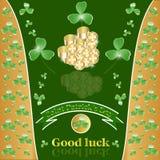 St. Patricks dzień z koniczyną i złotem. Fotografia Stock