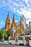 St Paul's katedra i tramwaj w Melbourne centrum miasta Fotografia Royalty Free