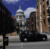 St. Paul´s cathedral -  view of the street Royalty Free Stock Photo