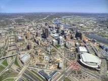 St Paul é o Capitólio do estado de Minnesota visto de cima pelo zangão fotos de stock royalty free