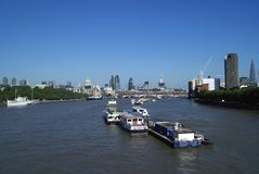 St Paul Cathedral, 30 St Mary Axe, Toren 42, de Zwarte fratersbrug over Rivier Theems in Londen, Engeland Stock Foto's