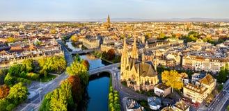 St. Paul Church und Straßburg-Kathedrale - Elsass, Frankreich lizenzfreie stockbilder