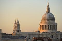 St Paul Kathedraal, Londen, Engeland, het UK bij schemer Royalty-vrije Stock Foto