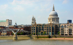 St Paul's Cathedral Dome viewed from Across the Thames River, Lo Royalty Free Stock Photos