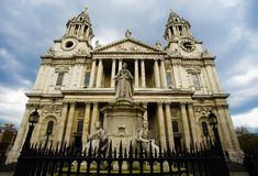 St. Paul Cathedral and Statue of Queen Anne. London, England - April 14, 2016 : Iconic St. Paul's Cathedral and Statue of Queen Anne Royalty Free Stock Images