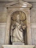St Paul standbeeld bij SS Annunziata Church in Turijn stock foto
