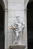 St Paul staty på den Salzburg domkyrkan, Österrike Fotografering för Bildbyråer