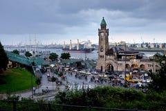 St Pauli Piers della st Pauli Landing Bridges di Landungsbruecken aka aka immagini stock