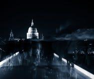 St Pauls在晚上 图库摄影