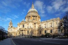 St Pauls大教堂在伦敦。 图库摄影