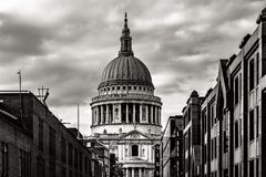 St Pauls大教堂在伦敦,英国 库存照片