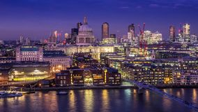 ST Pauls και ο ορίζοντας του Λονδίνου Στοκ Εικόνα