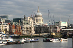 St. Pauls from across the Thames Royalty Free Stock Photography
