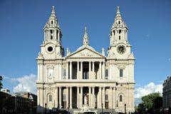 St Pauls Cathdral voorzijde Londen Engeland het UK stock afbeelding