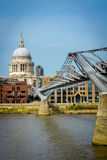 St Pauls Cathederal van Southbank Stock Foto