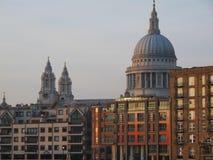 St Pauls Cathedral, città di Londra fotografie stock libere da diritti