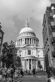 St Pauls Cathedral i staden av London - LONDON - STORBRITANNIEN - SEPTEMBER 19, 2016 Arkivfoto