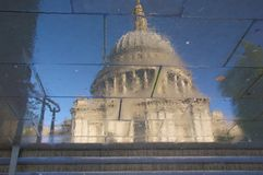 St Pauls Cathedral Reflection Images stock