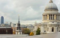 St Pauls dell'orizzonte della città di Londra Fotografie Stock