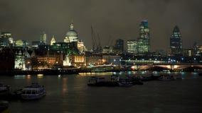 St Pauls en la noche Imagen de archivo libre de regalías