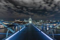 St Pauls na noite Imagens de Stock