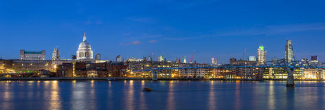 St Pauls Panoramic al crepuscolo Fotografia Stock