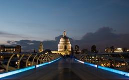 St Pauls, ponte di millennio Fotografia Stock