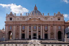 St Peter Basilica Fachade on blue sky day at Vaticano Royalty Free Stock Images