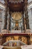 St. Peter Basiliek Baldacchino stock foto's