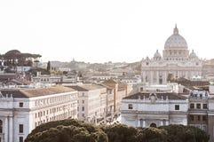 St Peter Basiliek en via della Conciliazione Rome, Vatikaan, Italië Royalty-vrije Stock Foto's