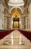St. Peter Basiliek in Vatikaan Stock Afbeeldingen