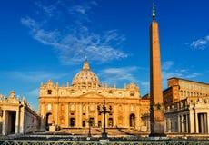 St Peter Cathedral à Vatican, Rome Photographie stock libre de droits