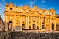 St Peter Cathedral i Vaticanen, Rome Arkivfoton