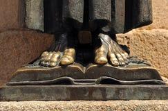 St Peter d'Alcantara, sculpture en bronze, Caceres, Estrémadure, Espagne images libres de droits