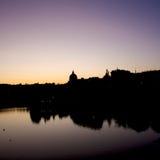 St Peter e Paul Dome Silhouette em Roma Eur imagem de stock