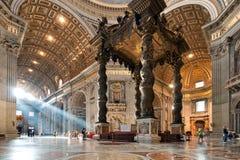 St. Peter het binnenland van de Basiliek Stock Foto