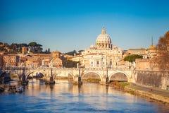 St Peter Kathedrale in Rom stockbilder