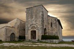 St Peter kyrka på Alba Fucens Fotografering för Bildbyråer