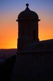 St Peter och Paul Guard står högt mot panelljus av solnedgången, V fotografering för bildbyråer