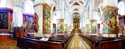 St. Peter och Paul kyrka i den Melk abbeyen Arkivbilder