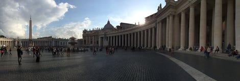 St Peter Quadrat an der Dämmerung Lizenzfreie Stockfotos